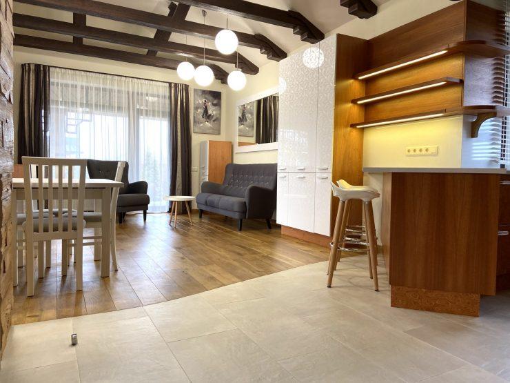 Pārdod skaistu un kompaktu māju Mārupē!