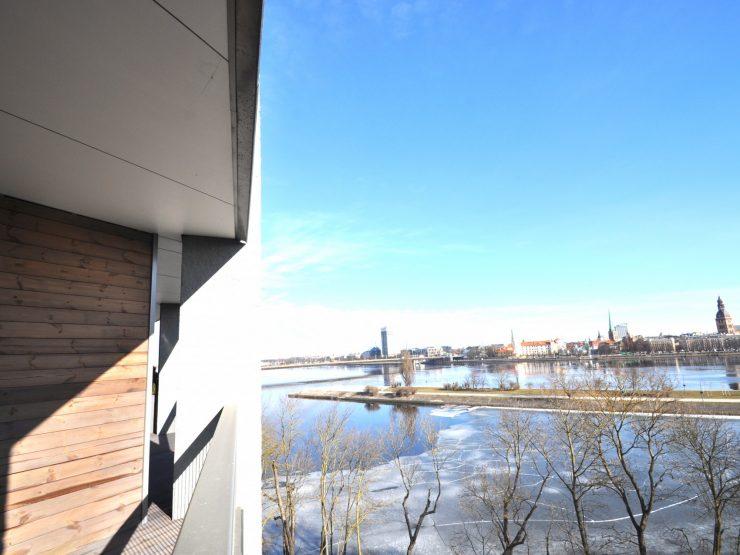 Ekskluzīvs dzīvoklis pie Daugavas