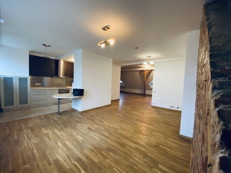 Klusais centrs – izīrē dzīvokli 119 kv.m