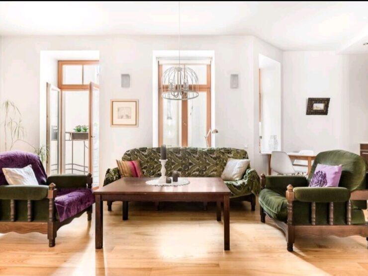 Pārdod 3 istabu dzīvokli Rīgas centrā